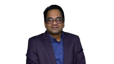 Photo of তুহিন রেজা  বাংলাদেশ ব্যাংককে বৃদ্ধাঙ্গুলী দেখিয়ে বহাল তবিয়তে, চাকরিতেযোগদানের জীবন বিত্তান্তে বিভ্রান্তি, গ্রামের ধারাভাষ্যকার থেকে এখন সিইও
