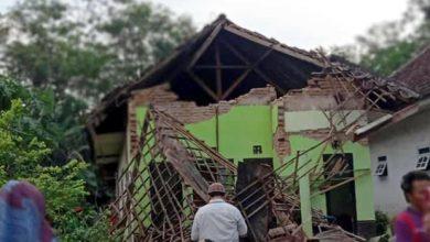 Photo of ভূমিকম্পে কেঁপে উঠল ইন্দোনেশিয়া, নিহত-১